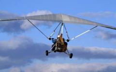 Arezzo: deltaplano precipita a Castiglion Fiorentino. Il pilota soccorso con l'elicottero 118