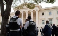Francia, polizia: sindacati ricevuti da Hollande, ma la protesta degli agenti non si placa