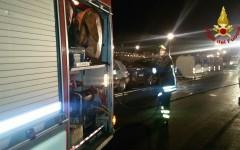 Firenze: incendiati cassonetti e auto nei pressi del ponte alle Grazie