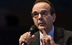 Torino: anche Parisi fa il suo movimento e accusa Renzi. Cantone è una iattura per l'Italia