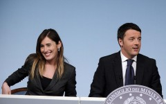 Caso Boschi: opposizioni all'attacco, governo prudente, Renzi la difende a spada tratta