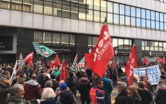 Firenze: sciopero generale del settore tessile-abbigliamento-calzature e manifestazione in concomitanza con Pitti Uomo