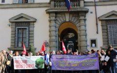 Firenze, centri per l'impiego: adesione pressoché totale allo sciopero, consegnati documenti in regione e prefettura
