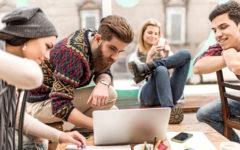 Economia: i millennials, poca autonomia finanziaria, vivono con i genitori, molto smartphone