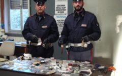 Lucca: sperona l'auto della polizia stradale ma viene arrestato dagli agenti. A bordo il provento di vari furti