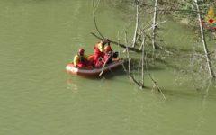 Firenze: filippino caduto in Arno rischia di annegare. Tratto in salvo dai vigili del fuoco