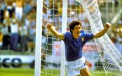Firenze: Paolo Rossi (Pablito) entra nella «Hall of Fame del calcio italiano». Premiato da Antognoni e Oriali