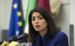 Roma: la sindaca Raggi indagata dalla procura per abuso d'ufficio e falso