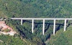 Grosseto: 45enne si suicida gettandosi dal ponte del Petriolo. Intervento dei vigili del fuoco