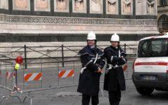 Firenze: parcheggia in Piazza Duomo con fotocopia del permesso invalidi della moglie. Denunciato e multato