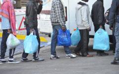 Prato: i migranti nutriti e assistiti di tutto punto protestano pure