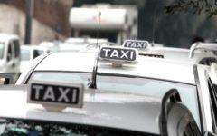Firenze, taxi: manifestazione di protesta. Alcune centinaia i tassisti partecipanti