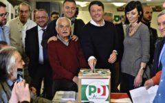 Congresso Pd: Matteo Renzi in fila alle Vie Nuove di Firenze per votare