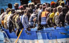 Libia, migranti: a maggio la consegna delle prime motovedette e poi allestimento dei campi d'accoglienza