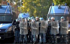 Sicurezza: poliziotti oggi in piazza in cento città per il rinnovo del contratto