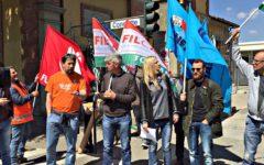 Firenze: presidio degli operai ai cantieri della stazione Foster in Via Circondaria