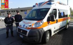 Autostrada A1 (Arezzo): ruba un'ambulanza (anni fa aveva portato via un bus). Bloccato dalla Polizia stradale