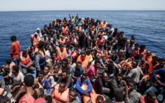 Bruxelles, profughi: la Ue accusa, membri di una Ong in Grecia indagati per presunto sfruttamento sessuale e corruzione