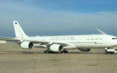 Politica: sorpresa, l'Air Force Renzi è un normale aereo di linea. Dopo tante polemiche svelato il mistero