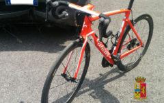 Arezzo: denunciata a piede libero la donna che ha investito un ciclista ed è fuggita