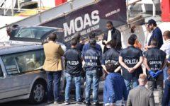 Migranti, Ong: anche Moas abbandona i soccorsi nel Mediterraneo