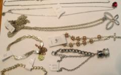 Firenze: la Questura cerca i proprietari di oggetti preziosi recuperati. Dove vederli