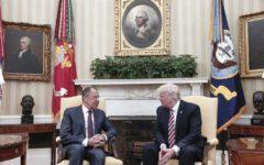 Washington: Trump avrebbe rivelato in formazioni riservate ai russi. Reazioni dell'Ue