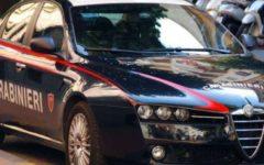 Sesto Fiorentino (Firenze): minaccia madre e carabinieri con un coltello. Arrestato