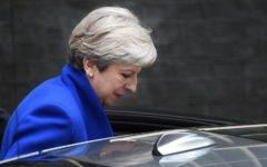 Londra: Theresa May va avanti col governo di minoranza, con l'appoggio esterno degli unionisti