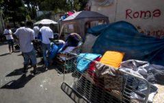 Migranti: M5S contro il Governo, Raggi chiede la moratoria per Roma, Di Maio attacca Minniti