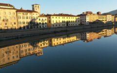 Pisa: turista cade dalla spalletta sull'Arno, salvato dai vigili del fuoco