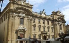 Firenze, ambulanti: i banchi di Piazza san Firenze saranno spostati nel Lungarno della Zecca