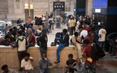 Milano: migrante ferisce poliziotto, il gip revoca la misura cautelare e ne permette l'espulsione