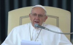 Il Papa ai giornalisti: «Rifuggite da informazione di facile consumo»