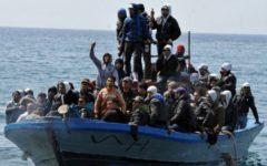 Grosseto: migranti scatenati, atti osceni davanti a minori e aggressioni violente. Un ferito