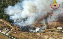 Toscana incendi: interventi a raffica di vigili del fuoco e mezzi aerei