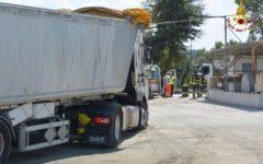 Firenze: grave autista colpito da scarica elettrica, il camion ha urtato i cavi dell'alta tensione