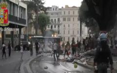 Roma: sgombero dei profughi, la sindaca Raggi si difende, il sindaco (Pd) di Forano si oppone al ricollocamento