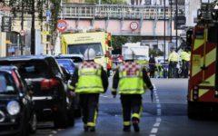 Londra, terrorismo: ordigno esplode nella metropolitana, 18 feriti
