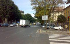 Autovelox: il tribunale annulla una multa, la strada di scorrimento urbano non aveva le banchine