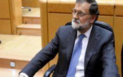 Catalogna indipendente, ma Rajoy scioglie il governo di Barcellona. Elezioni il 21 dicembre
