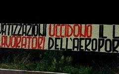 Toscana: striscioni di Casapound davanti agli aeroporti di Firenze e Pisa