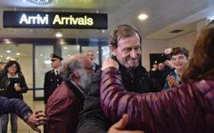 Don Pallù a Firenze: folla di fedeli ad accogliere il prete liberato in Nigeria