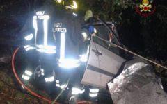Pisa: 32enne muore in auto contro un pino che costeggia l'Aurelia