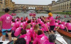 Firenze: prevenzione tumori al seno, onda rosa sull'Arno