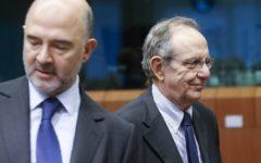 Moscovici, Commissario ue: Italia pericolo per l'Europa. Replica Di maio, alle elezioni verranno spazzati via