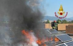 Prato: pannelli solari in fiamme. Evacuati 250 ragazzi di una scuola