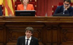 Catalogna: Puigdemont proclama l'indipendenza, ma la sospende subito per trattare con Madrid