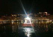 Traghetto Piombino-Elba urta una banchina. Passeggera ferita alla testa