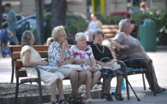 Istat: Italia paese più vecchio in Europa, poche donne lavorano, boom di poveri nel Sud